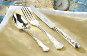почистить столовое серебро