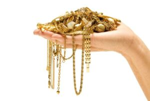 По каким причинам мусульманам нельзя носить золото
